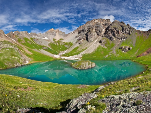 Island-Lake-in-Ice-Lake-Basin-San-Juan-Mountains-Colorado